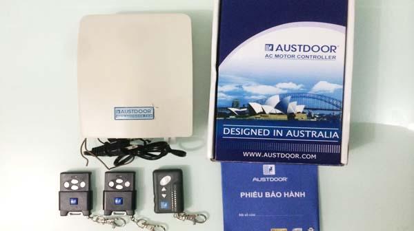 Remote cửa cuốn Austdoor chính hãng với chế độ bảo hành dài hạn